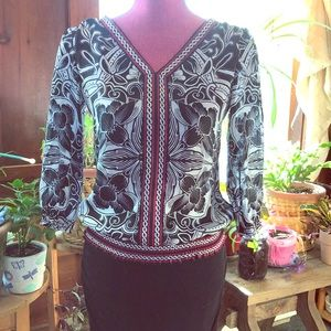 👚Classy blouse from white and black house market